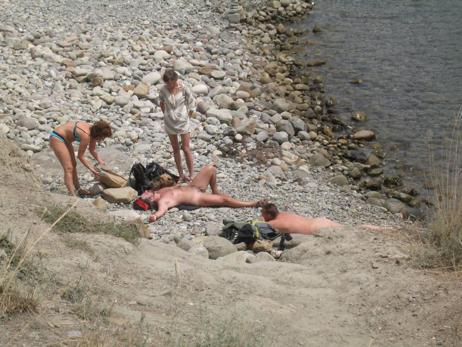 Нудистский пляж в Адлере Сезон 2012!!!  Форум и отзывы